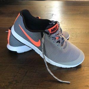 Nike Running Sneakers in Gray & Neon Pink